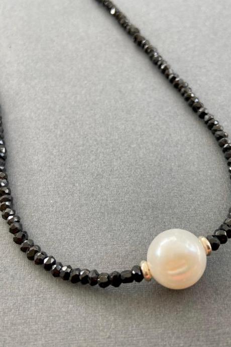 Large Freshwater Pearl Faceted Black Spinel Black and White Minimalist Necklace Adjustable