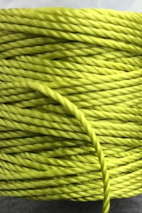 S-lon Heavy Cord Tex-400, 35 Yards Bobbin Color Chartreuse